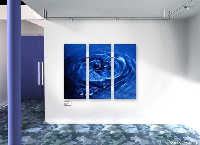 Wandbild Jack Dyrell BLUE DROP Wohnbeispiel