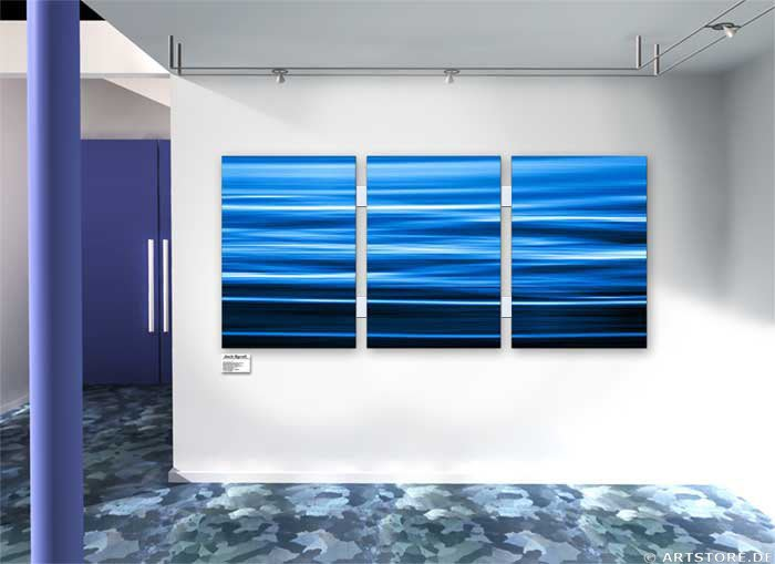 Wandbild Jack Dyrell FLOWING BLUE Wohnbeispiel