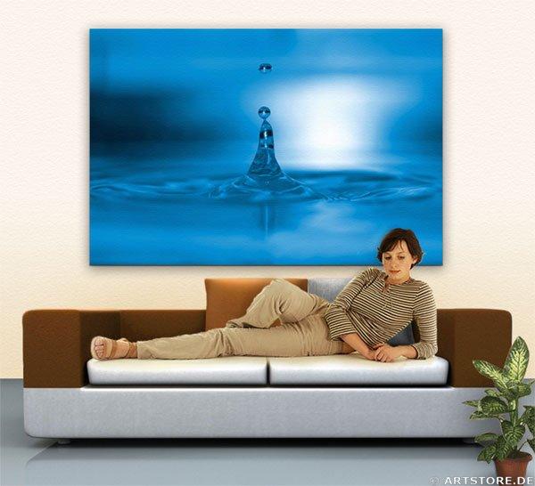 Wandbild Jack Dyrell BIG BLUE WATER DROP Wohnbeispiel