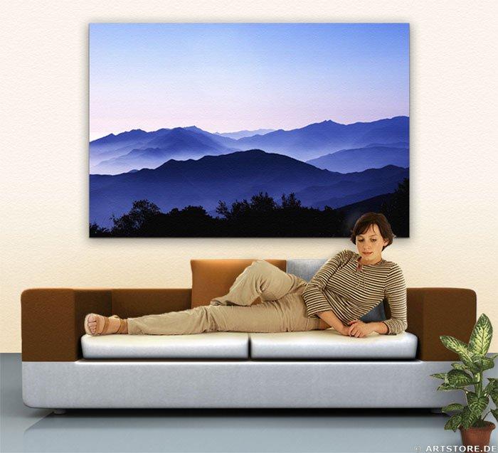 Wandbild Jack Dyrell BLUE MOUNTAINS Wohnbeispiel
