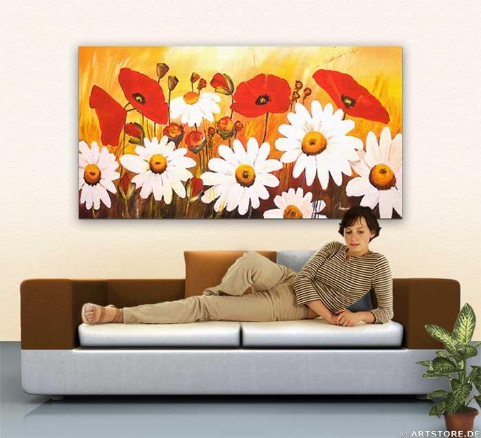 Wandbild Mia Morro GREAT FLOWER FIELD Wohnbeispiel